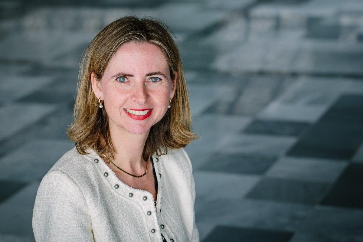 personal branding photo professional headshot lady entrepreneur smiling indoor brand photographer image natural light